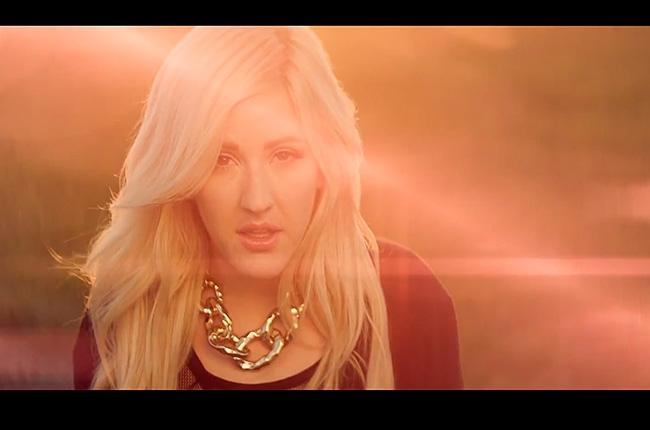 Ellie Goulding in her latest vid [Screengrab]