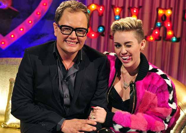 Miley Cyrus speaks to Alan Carr about the VMAs (Channel 4)